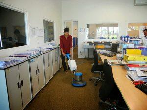 dịch vụ vệ sinh văn phòng sau xây dựng