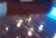 đánh bóng sàn gỗ tự nhiên giá rẻ