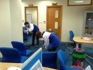dịch vụ giặt ghế văn phòng vải lưới