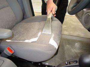 dịch vụ chăm sóc ghế da xe hơi