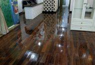 đánh bóng sàn gỗ công nghiệp giá rẻ